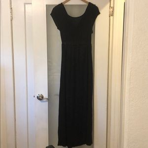 Beautiful black maxi dress- with back detail!